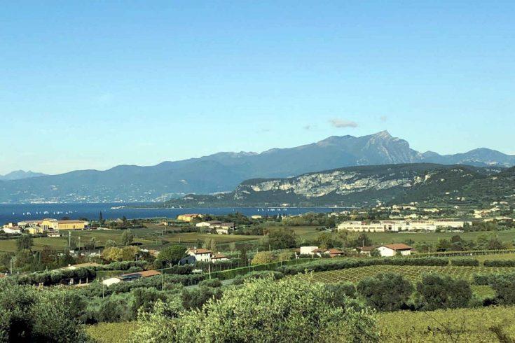Land plot at Lake Garda with stunning lake view